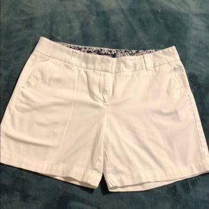 Land'n Sea White summer shorts